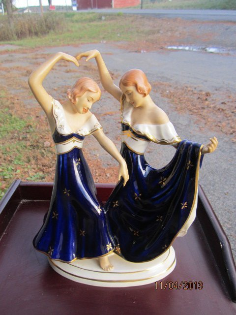 OUTSTANDING ROYAL DUX FIGURINE