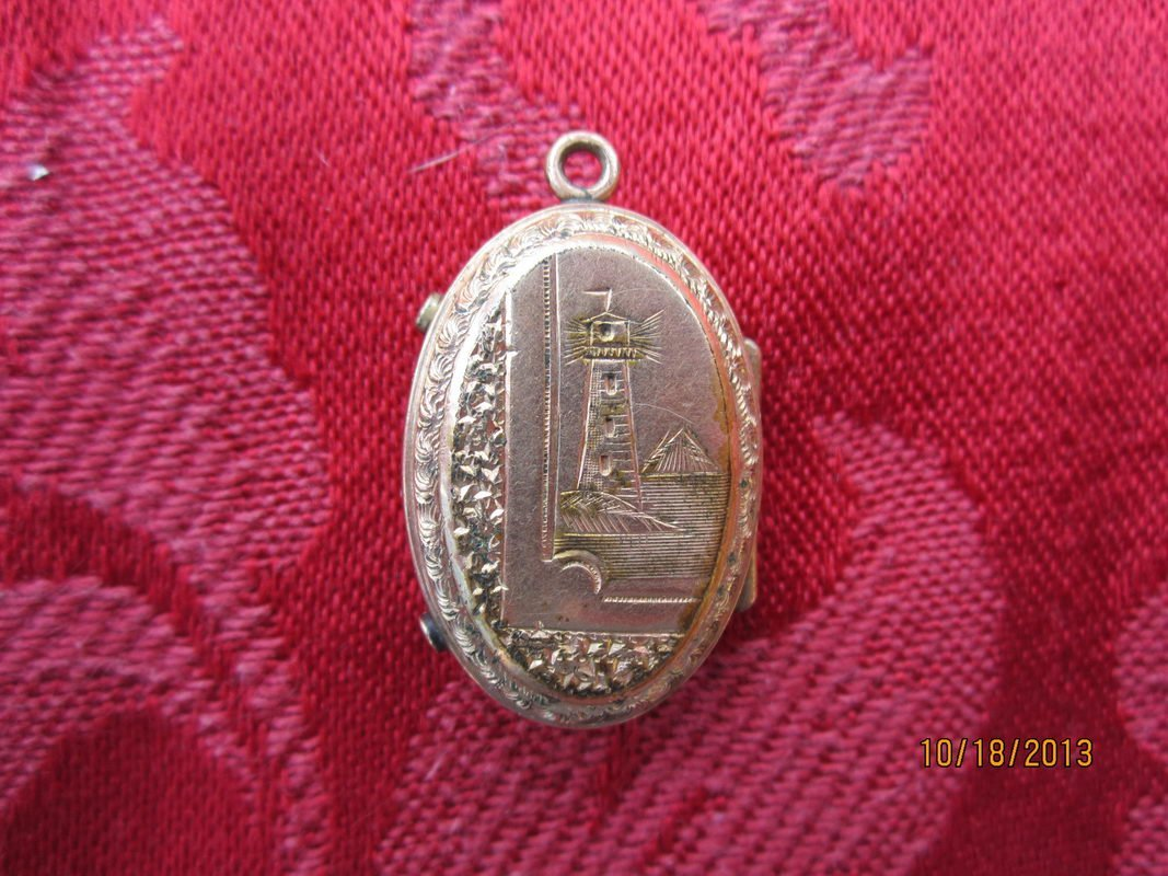 GREAT VICTORIAN GOLD FILLED LOCKET WITH ENGRAVED SHIP