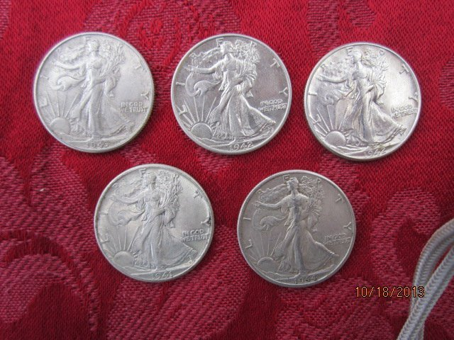 5 SILVER WALKING LIBERTY HALF DOLLARS ALL IN 1940S AND