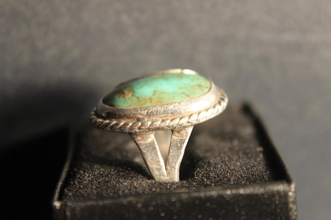 STERLING SILVER TURQUOISE RING SIZE 7