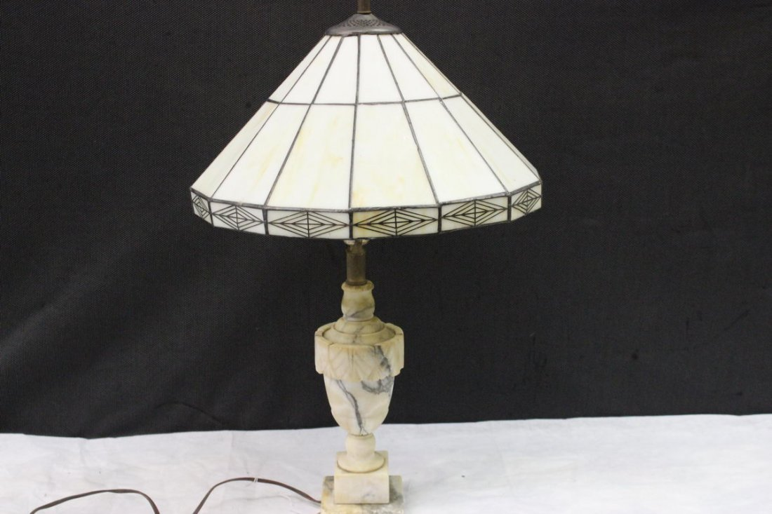 WONDERFUL CUT MARBLE TABLE LAMP W/ LOVELY WHITE LEADED