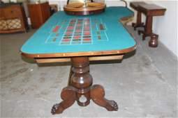 ROULETTE TABLE 1880 VINTAGE TABLE - MINT - HAS NEW FELT