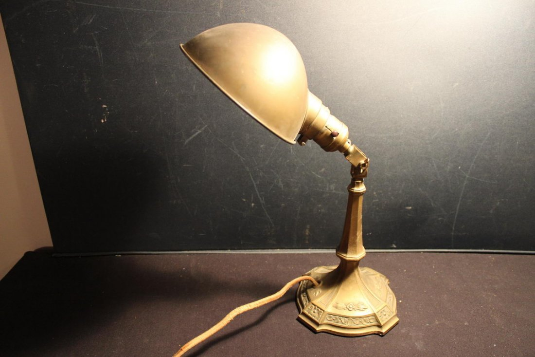 NICE ADJUSTABLE DESK WORK LAMP - ORIGINAL CONDITION &