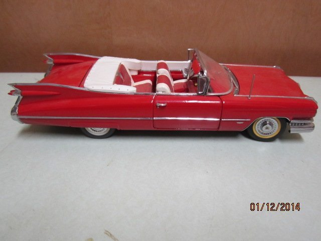 1992 DANBURY MINT 1959 RED CADILLAC WITH CERTIFICATE