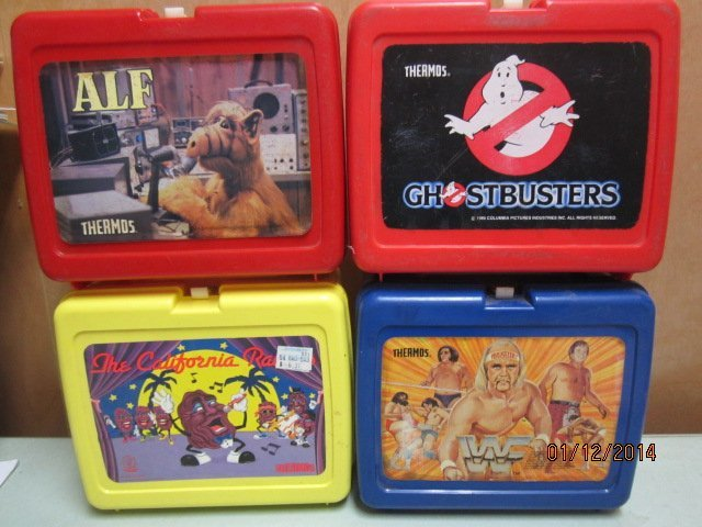 4 PLASTIC LUNCHBOXES FROM THE 1980S - CALIFORNIA