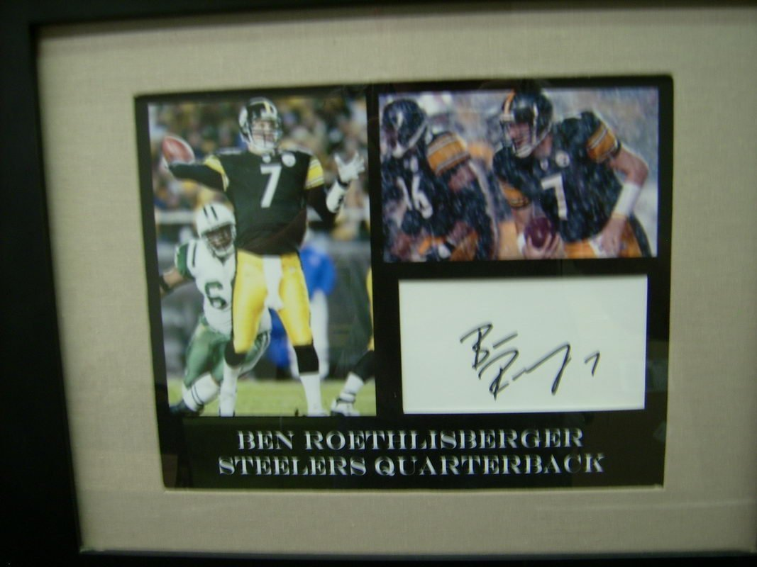BEN ROETHLISBERGER FRAMED PHOTO IN AUTOGRAPH
