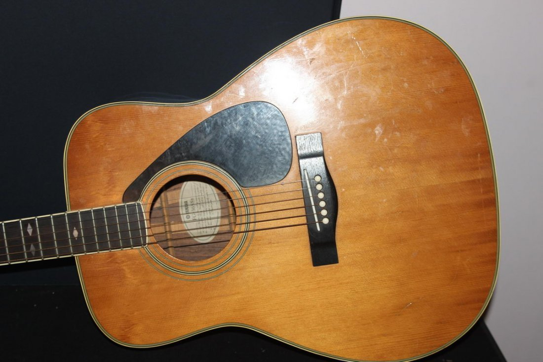 EXCELLENT ACOUSTIC HOLLOW BODY GUITAR BY YAMAHA FG 365S - 2
