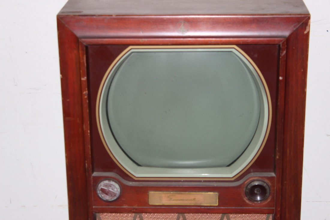 ANOTHER 1950S OLD TV SET IN GOOD CONDITION - EMERSON - 2
