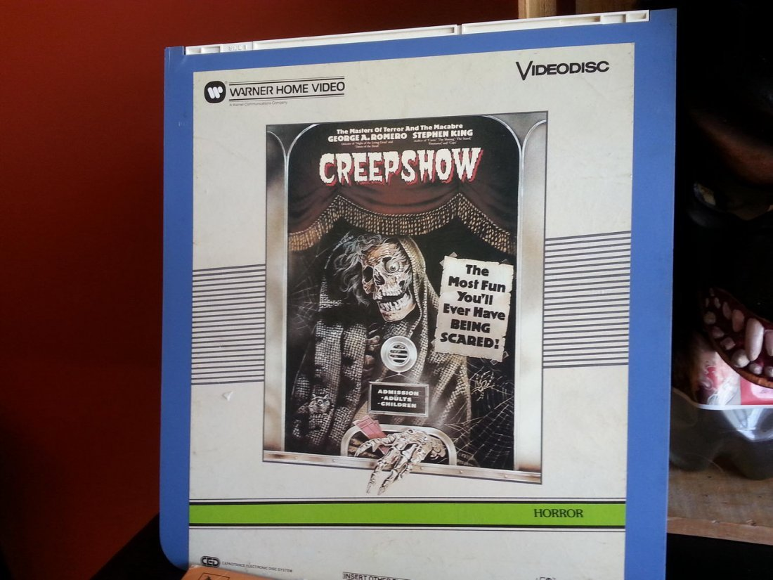 CREEP SHOW LOT TO INCLUDE FLUFFY MASK ,FILMBOOK,LAZER - 2
