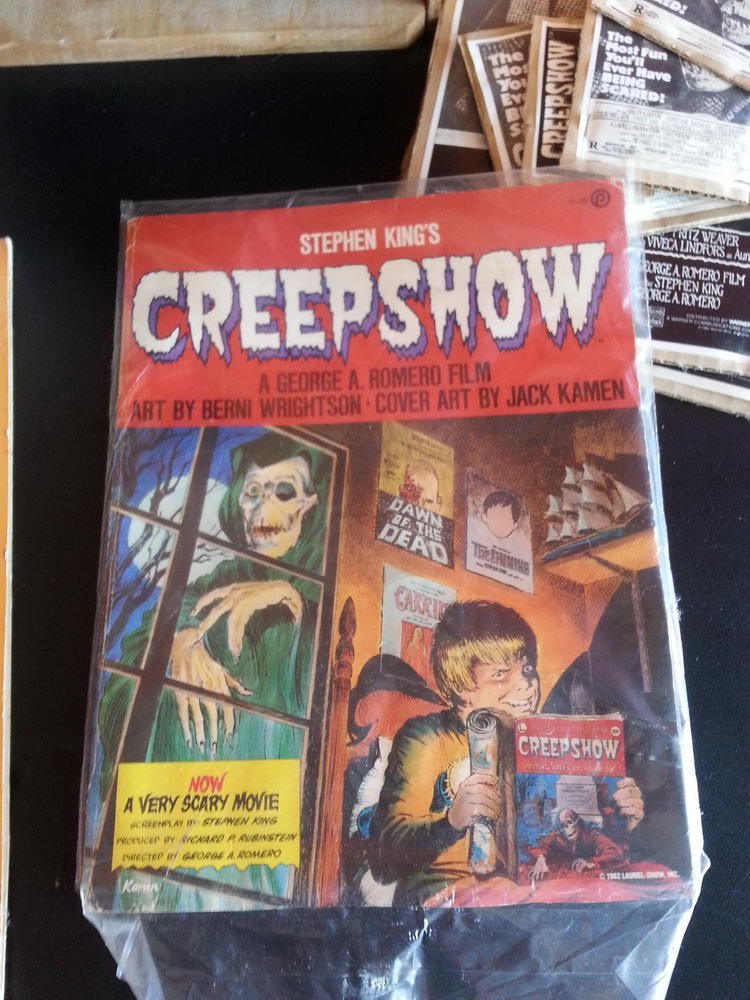 CREEP SHOW LOT TO INCLUDE FLUFFY MASK ,FILMBOOK,LAZER - 4