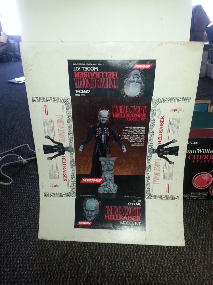 """SCREAMIN"" PINHEAD CENOBITE HELLRAISER MODEL KIT - BOX"