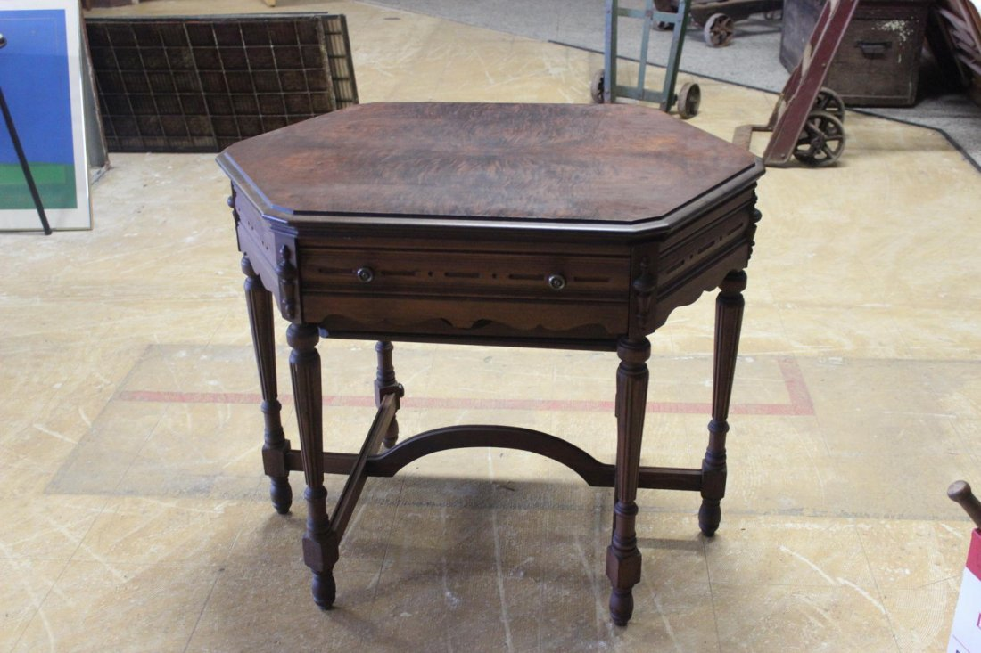 TERRIFIC TOP ATWATER KENT RADIO W/ WITH LIFT TOP AND