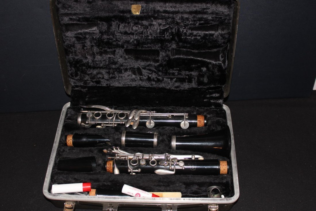BUNDY THIS INSTRUMENT IS AN EXCELLENT CONDITION WITH