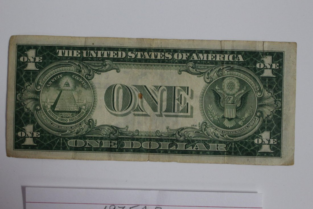 1935 – A SERIES ONE DOLLAR GOLD SEAL SILVER CERTIFICATE - 2