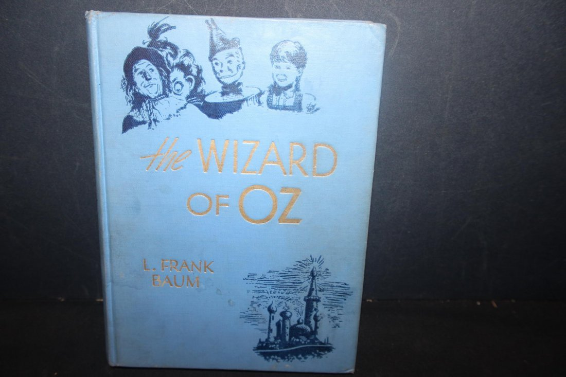 THE WIZARD OF OZ WRITTEN BY FRANK BAUM 209 PAGES VERY