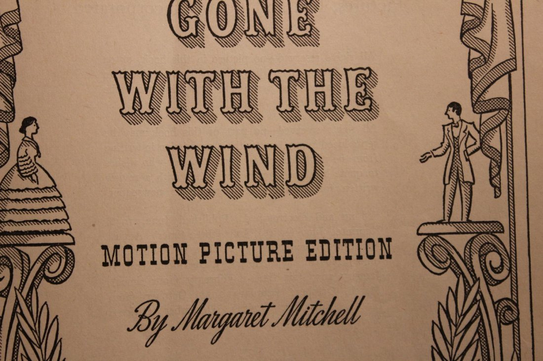 GONE WITH THE WIND LARGE PAPERBACK MOTION PICTURE - 3