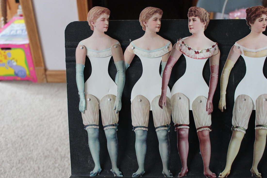 TURN-OF-THE-CENTURY PAPER CARDBOARD DOLLS MOVABLE LEGS - 2