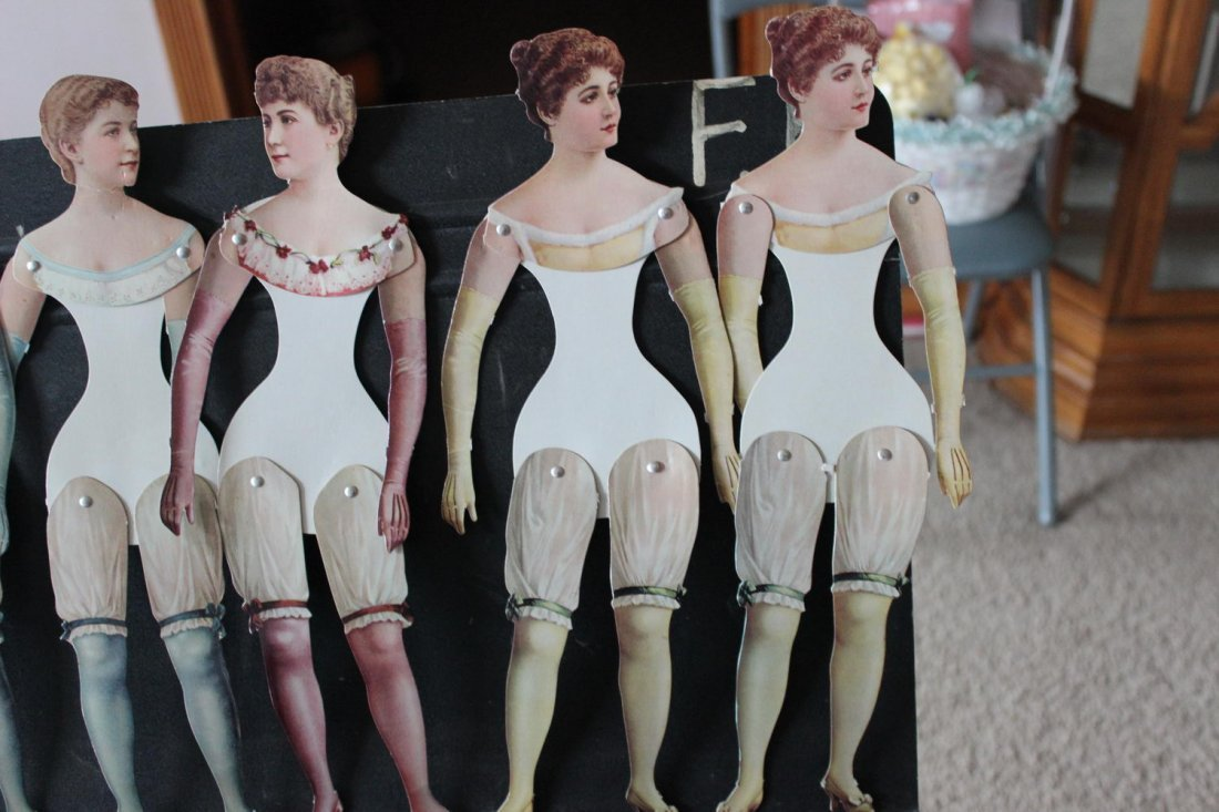 TURN-OF-THE-CENTURY PAPER CARDBOARD DOLLS MOVABLE LEGS - 3
