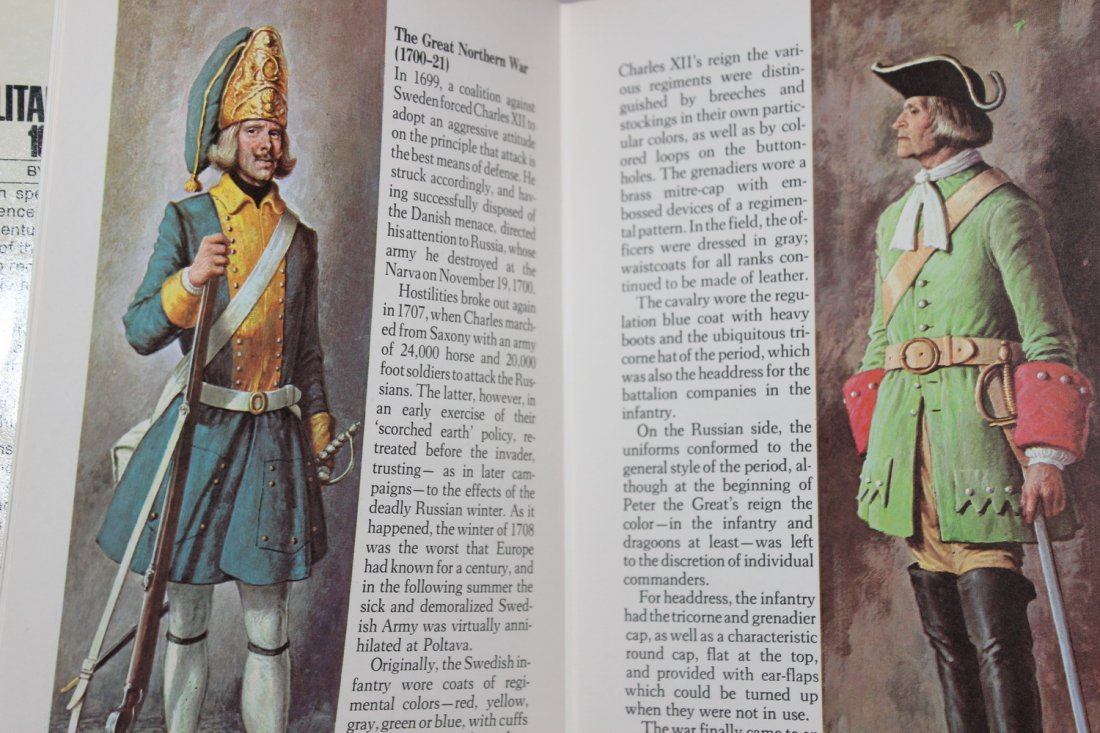 1970 A GROSSET ALL COLOR GUIDE MILITARY UNIFORMS - - 4