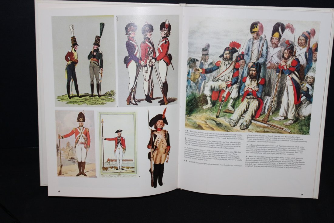 1 COLOR TREASURY OF MILITARY UNIFORMS - 1973 GREAT - 3