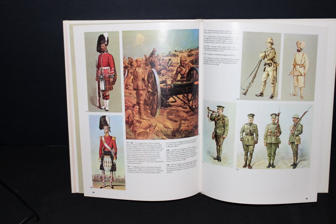 1 COLOR TREASURY OF MILITARY UNIFORMS - 1973 GREAT - 4