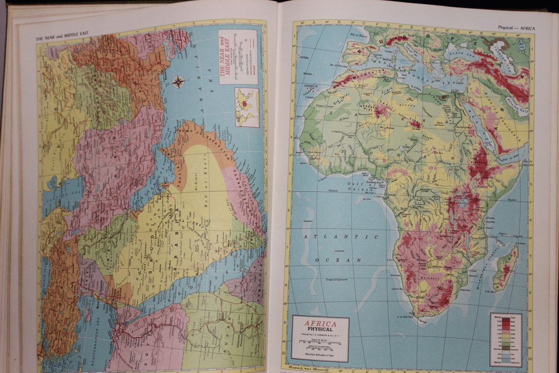 HAMMONDS AMBASSADOR WORLD ATLAS 1958 - COVER FADING - - 4