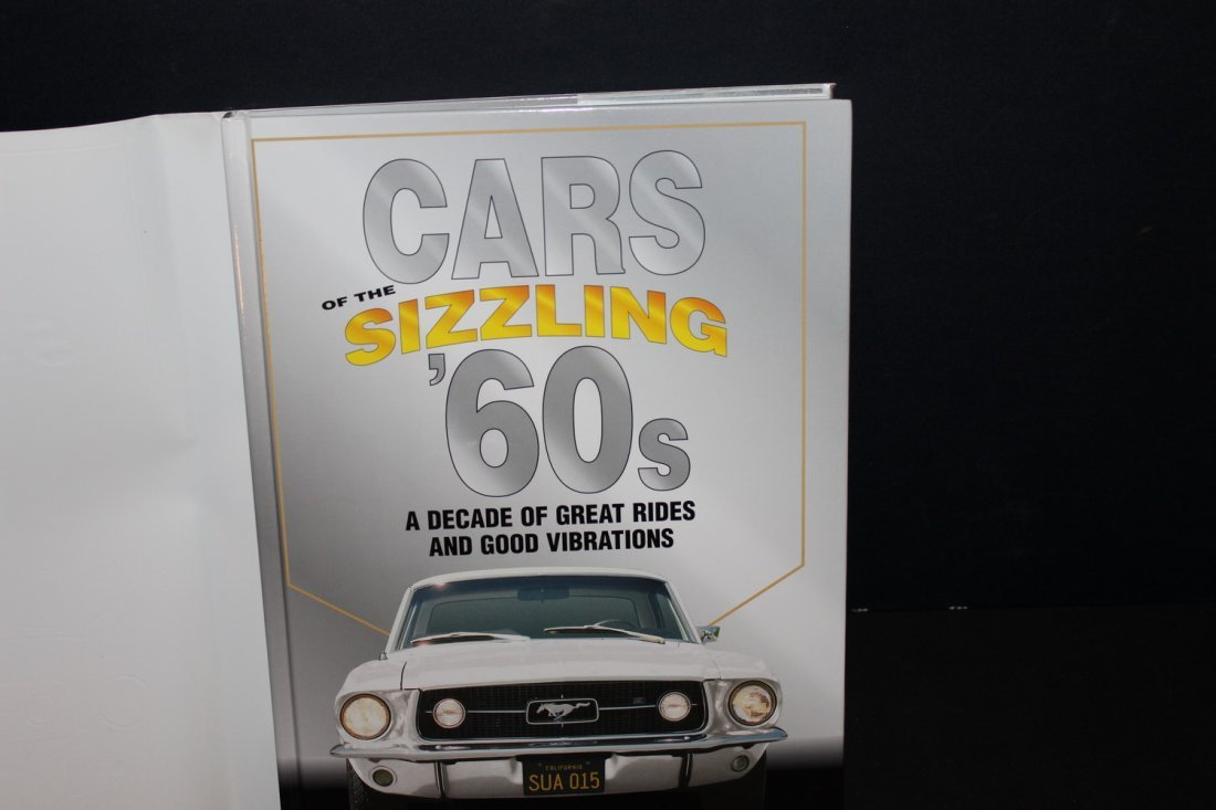CARS OF THE SIZZLING 60'S - 416 PGS. 2002 GREAT - 2