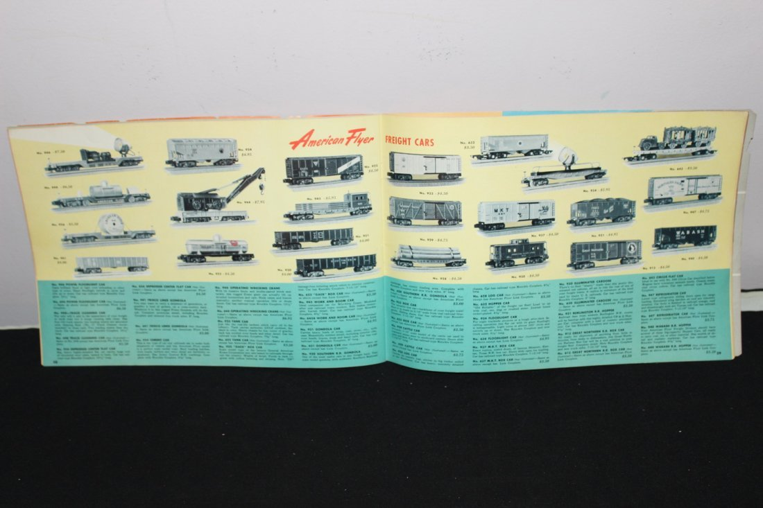 SUPER 51 PAGE AMERICAN FLYER TRAIN BOOKLET - GREAT - 6