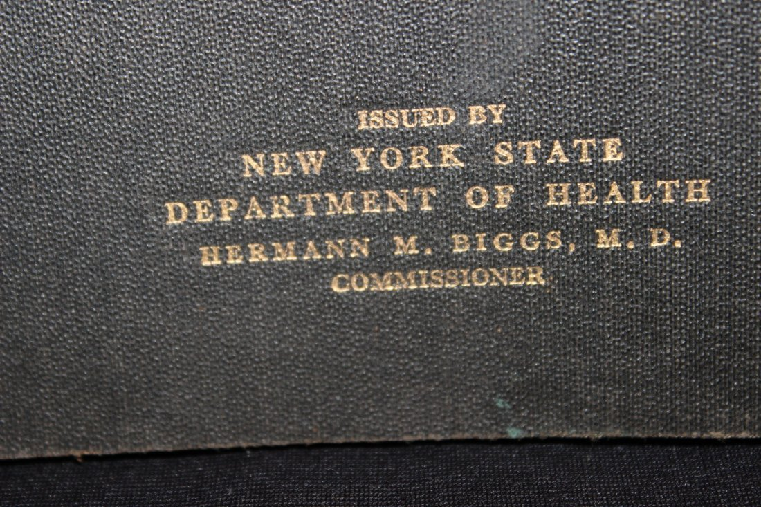 VERY GOOD COLLECTABLE BOOK FOR ALL MEDICAL COLLECTORS - - 3
