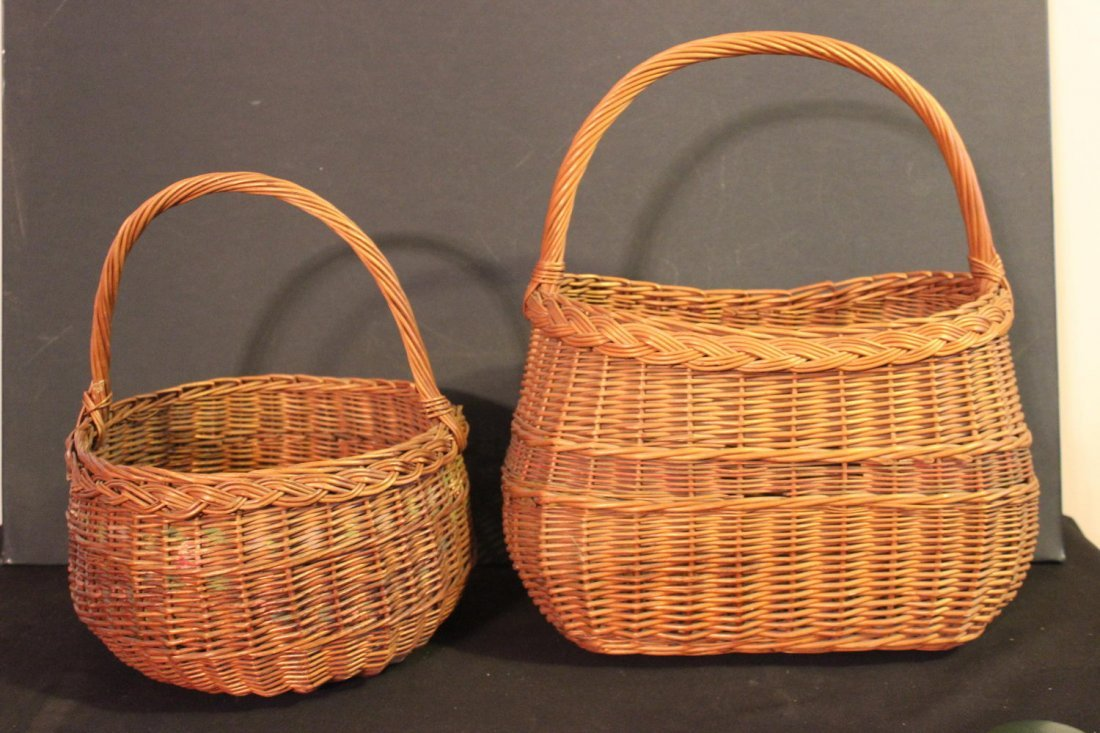 2 NICE VINTAGE WOVEN WICKER BASKETS WITH COLOR IN GOOD