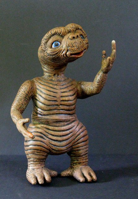 E.T. THE EXTRA TERRESTRIAL RARE PAINTED MODEL FIGUREKit