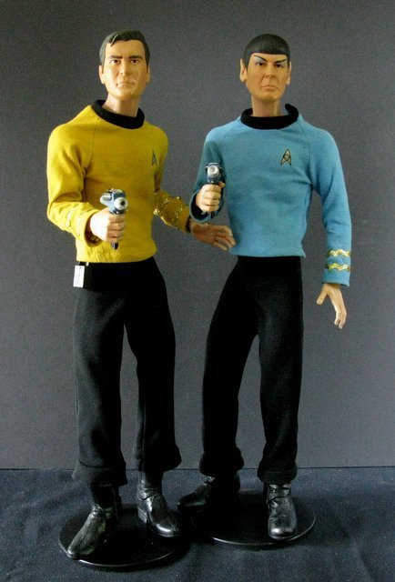 CLASSIC STAR TREK KIRK AND SPOCK DELUXE TALKING FIGURE
