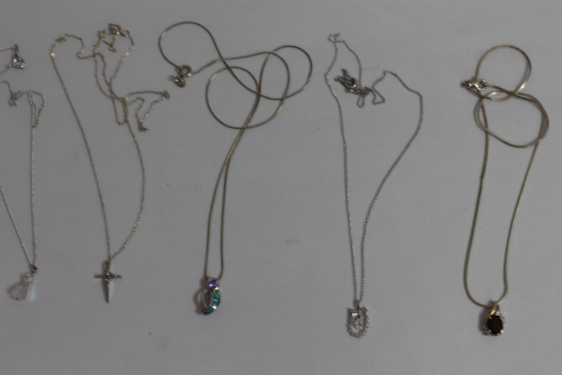 5 STERLING SILVER PENDANT/NECKLACES