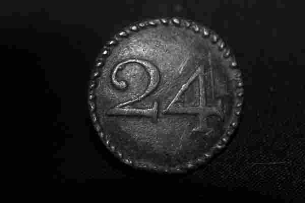 RARE AUTHENTIC REVOLUTIONARY WAR PEWTER BUTTON IN MINT