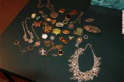 SUPER SELECTION OF VINTAGE COSTUME JEWELRY INC MANY