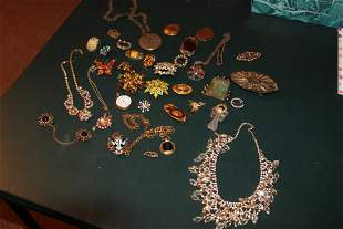SUPER SELECTION OF VINTAGE COSTUME JEWELRY INC. MANY