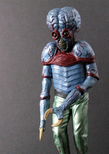 METALUNA MUTANT - PRO PAINTED MODEL FIGURE - Tsukuda - 2