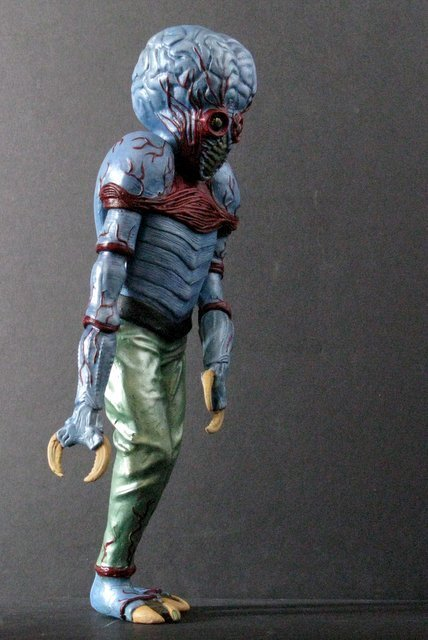 METALUNA MUTANT - PRO PAINTED MODEL FIGURE - Tsukuda - 3