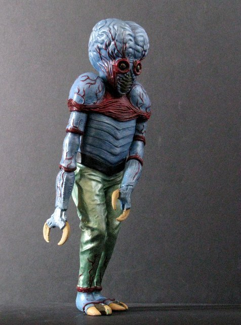 METALUNA MUTANT - PRO PAINTED MODEL FIGURE - Tsukuda - 4