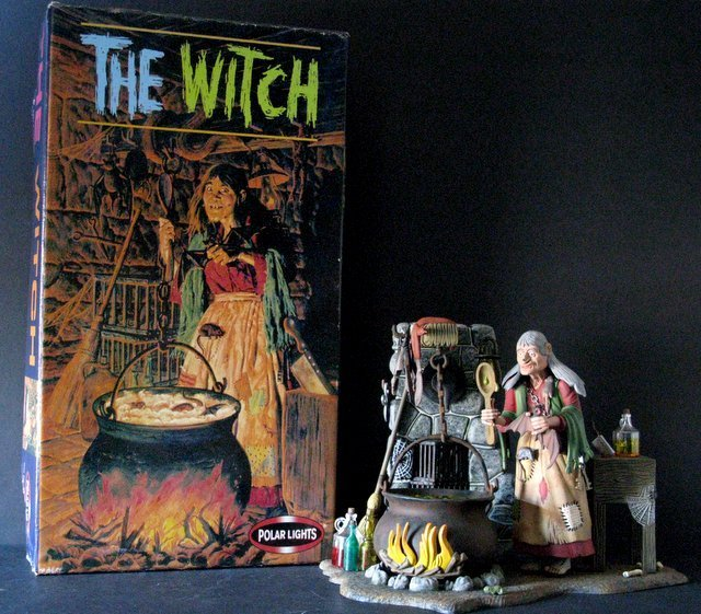 THE WITCH - PRO PAINTED RE-ISSUE OF THE CLASSIC AURORA