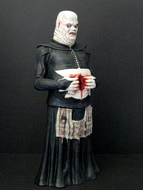 BUTTERBALL CENOBITE - HELLRAISER PRO PAINTED MODEL - 4