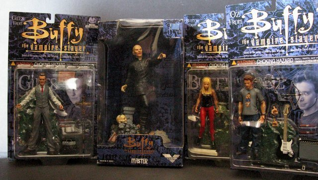 BUFFY THE VAMPIRE SLAYER - ACTON FIGURE LOT OF FOUR -