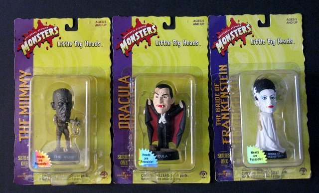 CLASSIC MONSTERS - LITTLE BIG HEADS, SERIES ONE - LOT - 2