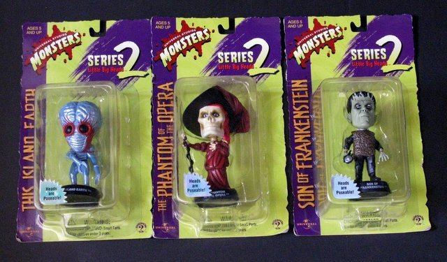 CLASSIC MONSTERS - LITTLE BIG HEADS - SERIES TWO - LOT - 2