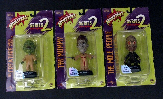 CLASSIC MONSTERS - LITTLE BIG HEADS - SERIES TWO - LOT - 3