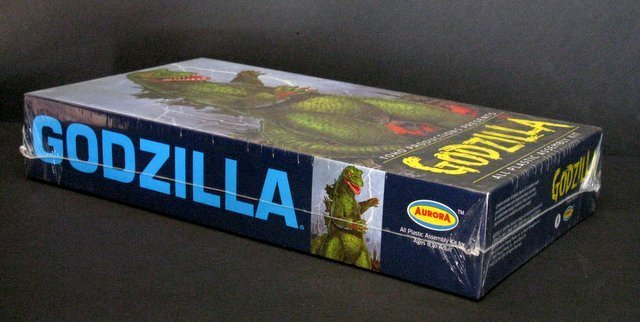 GODZILLA RE-ISSUE OF THE CLASSIC 60'S AURORA MODEL KIT - 2