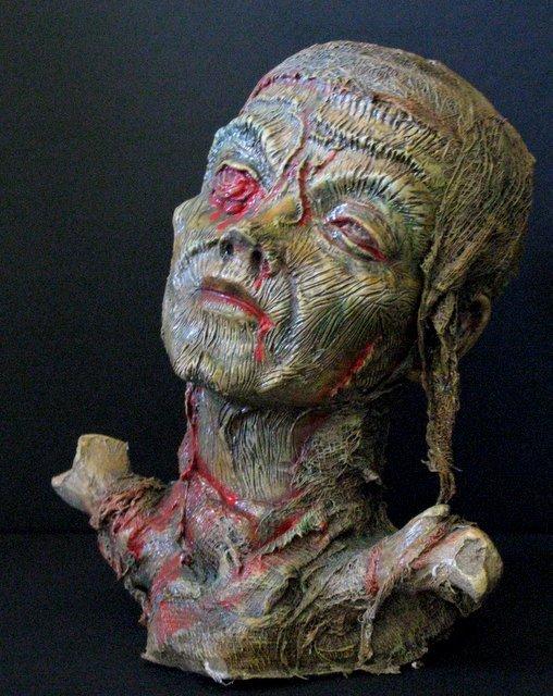 GORY FEMALE MUMMY - LIFESIZE PAINTED RESIN BUST - 1998 - 3