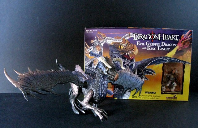 DRAGONHEART - LOT OF FOUR DRAGON FIGURES PLUS ONE BOX - - 2