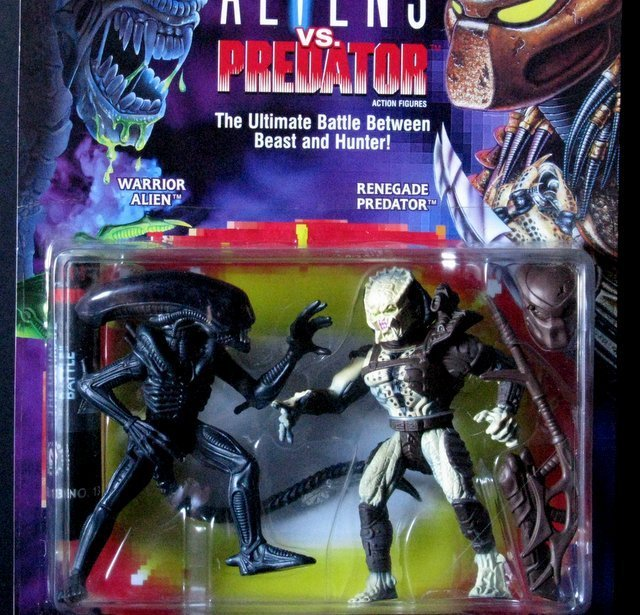 "ALIEN VS PREDATOR - 6"" ACTION FIGURE DOUBLE-PACK - - 2"