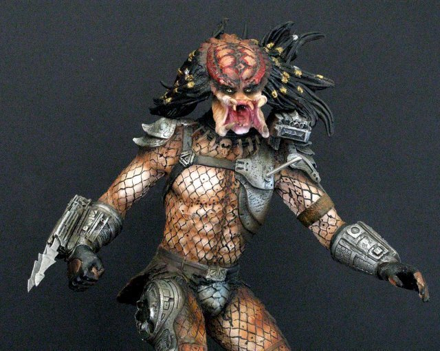 "PREDATOR ""The Hunter"" RARE PAINTED RESIN MODEL FROM - 2"